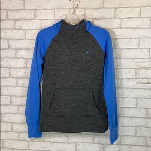 Nike therma-fit hoodie size Small